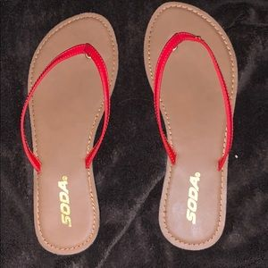 BRAND NEW!!!!    Soda sandals, tan with red straps